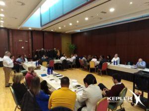 Trabajos en grupos durante la convención Kepler 2020